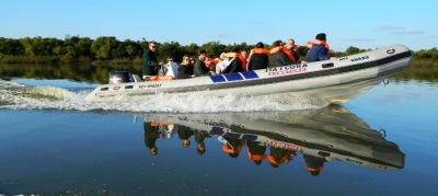 2012-04-Ati-guazu-navegando-espejo
